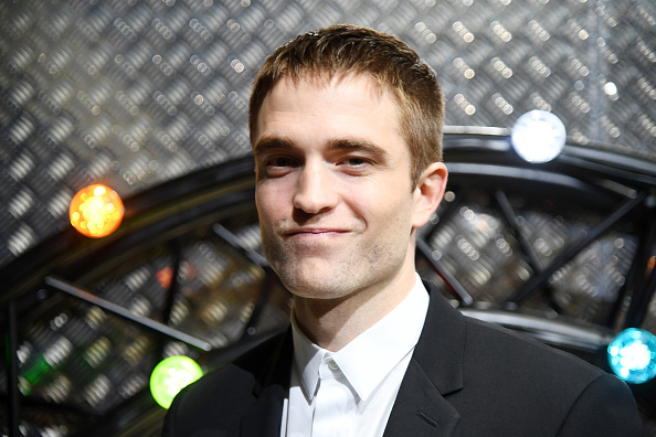 Robert Pattinson「Dior Homme : Front Row  - Paris Fashion Week - Menswear Spring/Summer 2017」:写真・画像(7)[壁紙.com]