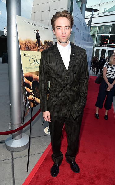Robert Pattinson「Magnolia Pictures' 'Damsel' Premiere  - Red Carpet」:写真・画像(16)[壁紙.com]
