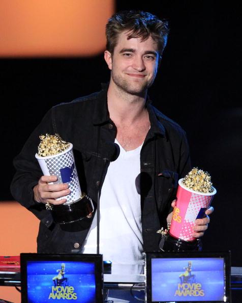 Robert Pattinson「2010 MTV Movie Awards - Show」:写真・画像(11)[壁紙.com]