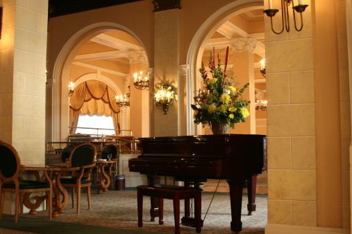 Hotel Reception「Luxury hotel lobby with piano. Grand foyer entrance. Seating.」:スマホ壁紙(17)