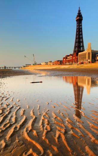 Dartmouth - England「Blackpool Seafront」:スマホ壁紙(1)