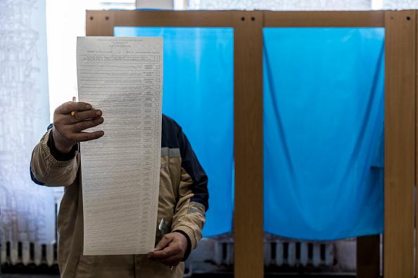 Ukraine「Ukraine Holds Presidential Election」:写真・画像(19)[壁紙.com]