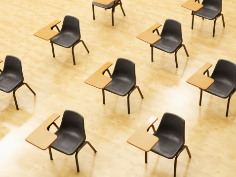 School Building「Desks in empty classroom」:スマホ壁紙(17)