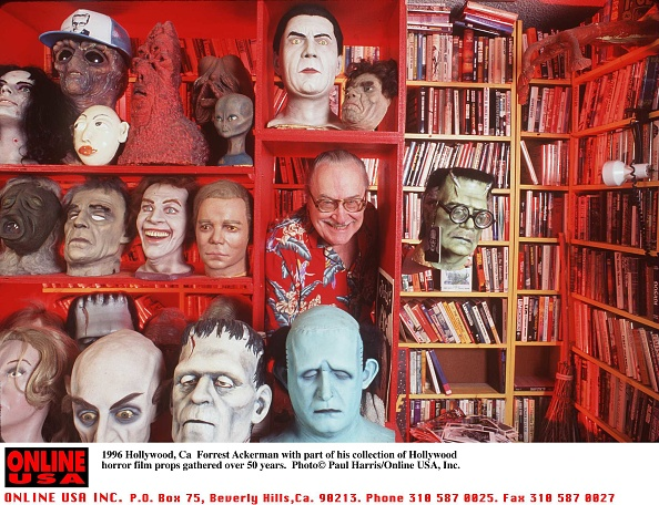 Horror「1996 Hollywood, Ca Forrest Ackerman with part of his collection of Hollywood horror film props gathe」:写真・画像(5)[壁紙.com]