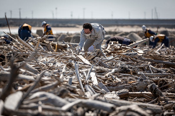Accidents and Disasters「Japan Marks The 10th Anniversary Of The Tohoku Earthquake And Tsunami」:写真・画像(14)[壁紙.com]