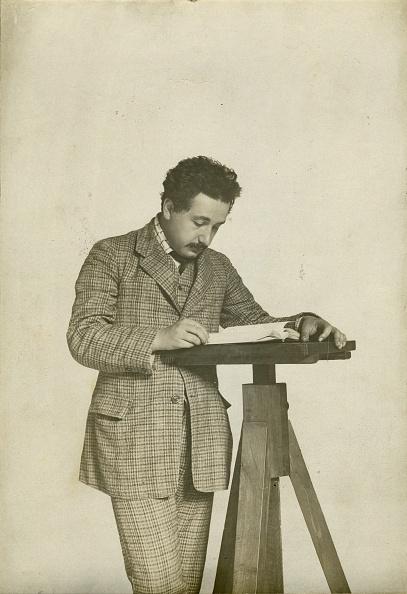 Switzerland「Albert Einstein At The Swiss Patent Office In Bern」:写真・画像(17)[壁紙.com]
