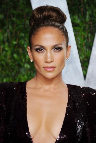 Up Do「2012 Vanity Fair Oscar Party Hosted By Graydon Carter - Arrivals」:写真・画像(7)[壁紙.com]