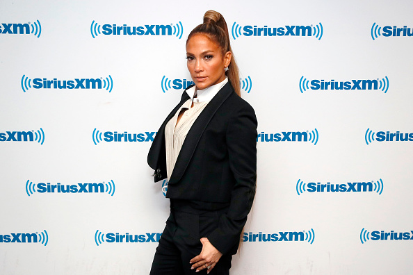 Ponytail「Jennifer Lopez Visits 'The Morning Mash Up' On SiriusXM Hits 1 Channel At The SiriusXM Studios In New York」:写真・画像(3)[壁紙.com]