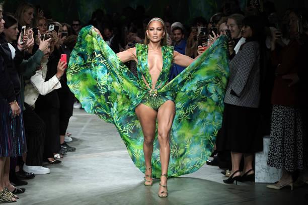 Versace - Runway - Milan Fashion Week Spring/Summer 2020:ニュース(壁紙.com)