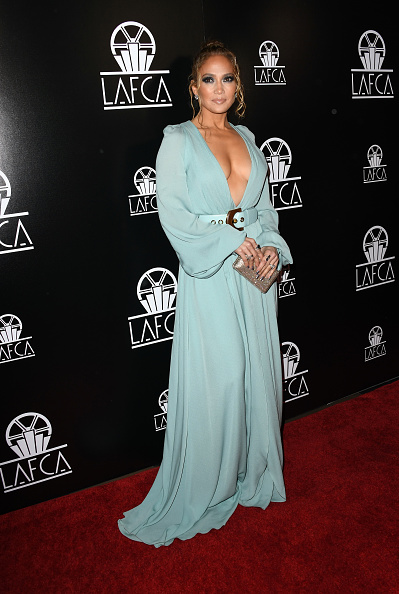 Gold Purse「2020 Los Angeles Critics Association (LAFCA) Awards Ceremony - Arrivals」:写真・画像(2)[壁紙.com]