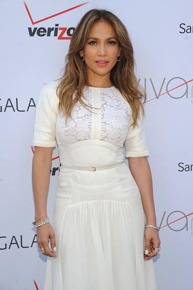 Smiling「Viva Movil By Jennifer Lopez Celebrates Flagship Store In Brooklyn, NY」:写真・画像(4)[壁紙.com]