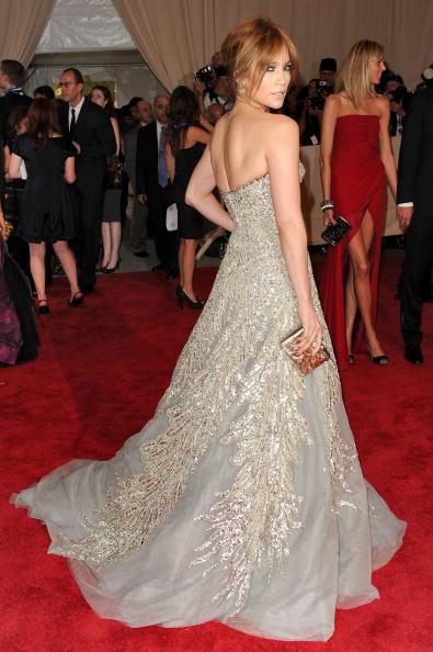 "Up Do「""American Woman: Fashioning A National Identity"" Met Gala - Arrivals」:写真・画像(3)[壁紙.com]"