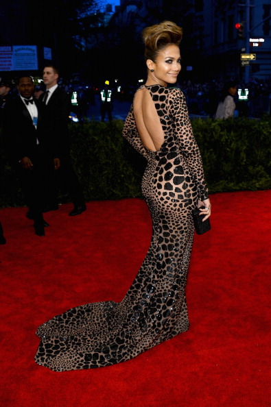 "Rear View「""PUNK: Chaos To Couture"" Costume Institute Gala」:写真・画像(16)[壁紙.com]"