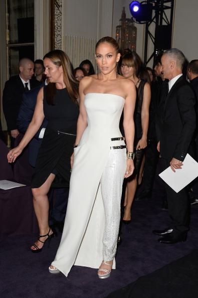 Strap「Versace : Front Row - Paris Fashion Week : Haute-Couture Fall/Winter 2014-2015」:写真・画像(15)[壁紙.com]
