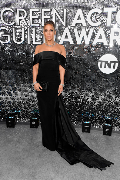 Satin Dress「26th Annual Screen ActorsGuild Awards - Red Carpet」:写真・画像(10)[壁紙.com]
