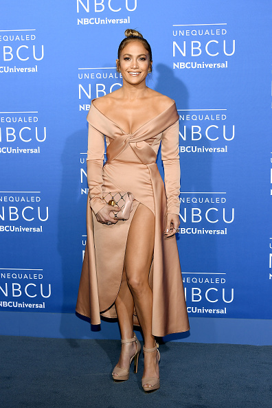 Looking At Camera「2017 NBCUniversal Upfront」:写真・画像(9)[壁紙.com]