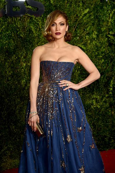 膝から上の構図「2015 Tony Awards - Arrivals」:写真・画像(9)[壁紙.com]