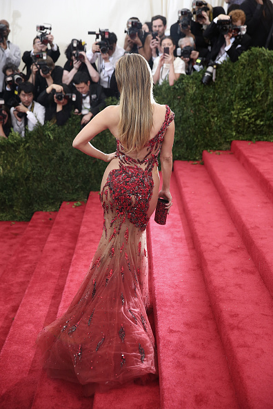"Rear View「""China: Through The Looking Glass"" Costume Institute Benefit Gala - Arrivals」:写真・画像(16)[壁紙.com]"