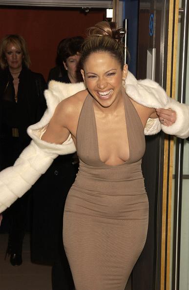 "Cleavage - Breasts「""Maid In Manhattan""Premiere」:写真・画像(6)[壁紙.com]"