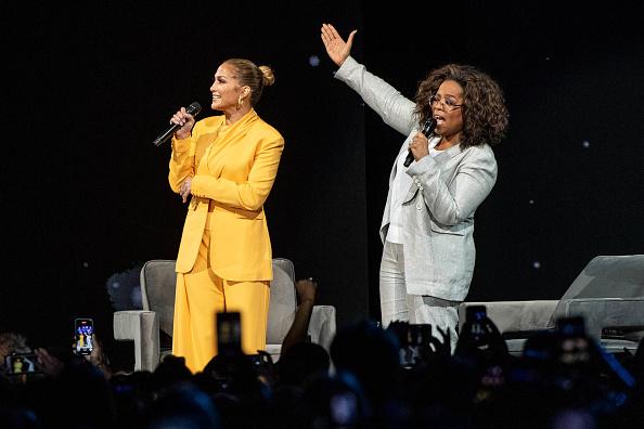 Oprah Winfrey「Oprah's 2020 Vision: Your Life In Focus Tour With Special Guest Jennifer Lopez」:写真・画像(4)[壁紙.com]