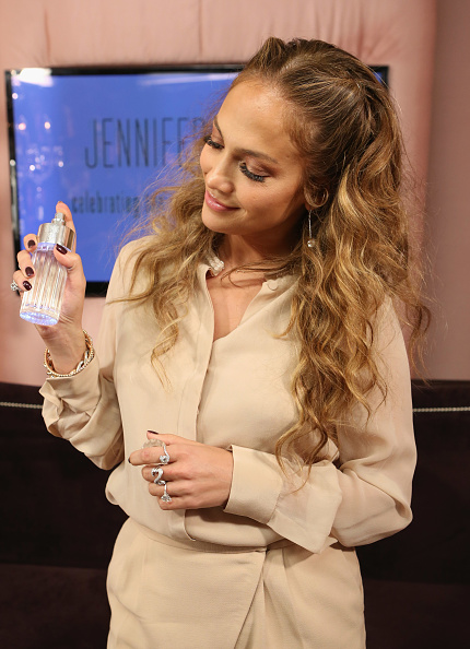 Scented「Glowing By JLo Launch Event」:写真・画像(9)[壁紙.com]
