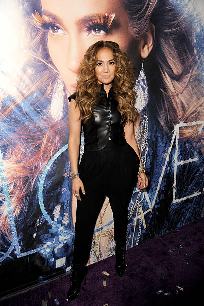 "Jennifer Lopez CD Signing To Celebrate Her New Album ""LOVE?"" At The Hard Rock Cafe Hollywood:ニュース(壁紙.com)"