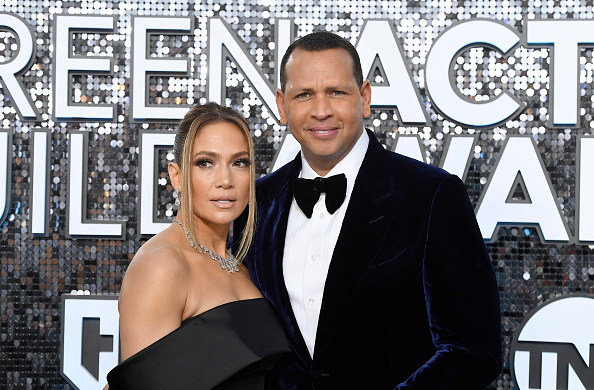 Jennifer Lopez「26th Annual Screen ActorsGuild Awards - Red Carpet」:写真・画像(7)[壁紙.com]