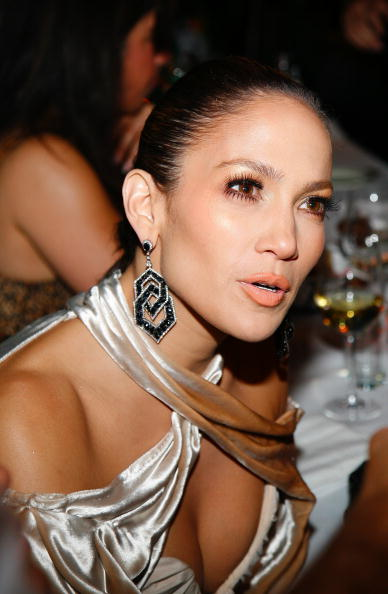 Halter Top「Post VMA Dinner Hosted By Epic Records President Amanda Ghost」:写真・画像(12)[壁紙.com]