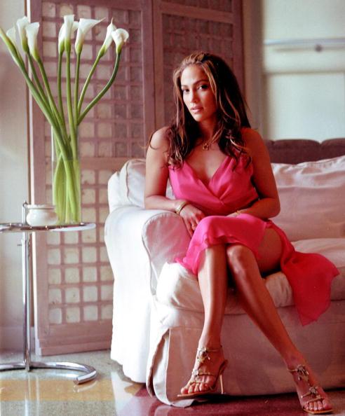 Pink Dress「Jennifer Lopez Portrait in South Beach」:写真・画像(13)[壁紙.com]