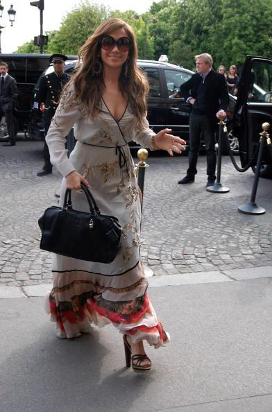 Sundress「Jennifer Lopez Sighting in Paris - April, 26th」:写真・画像(9)[壁紙.com]