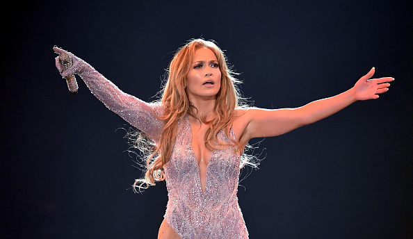 Horizontal「Jennifer Lopez In Concert - Inglewood, CA」:写真・画像(19)[壁紙.com]