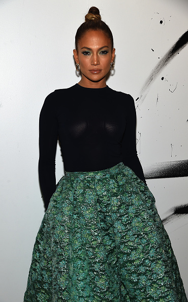 Three Quarter Length「AOL Build Speaker Series: Jennifer Lopez And Ryan Guzman」:写真・画像(19)[壁紙.com]