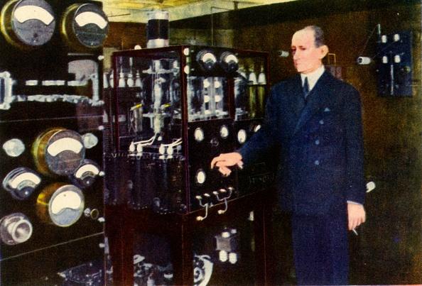 Global「Senator Marconi In The Wireless Room Of His Yacht Creator: Unknown」:写真・画像(17)[壁紙.com]