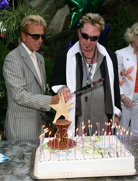 Cutting「Siegfried & Roy's Las Vegas Walk Of Stars Ceremony」:写真・画像(11)[壁紙.com]
