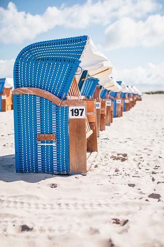 Equality「Germany, Warnemuende, hooded beach chairs on the beach」:スマホ壁紙(18)