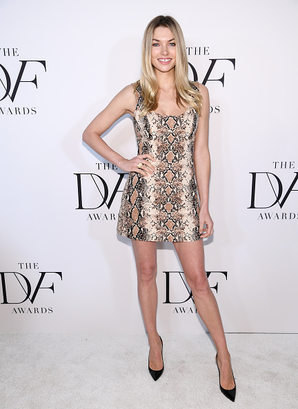 Jessica Hart「10th Annual DVF Awards - Arrivals」:写真・画像(5)[壁紙.com]
