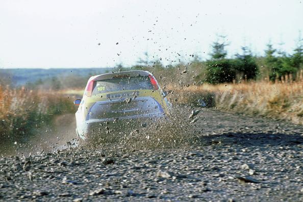 Spray「2002 Ford Focus WRC Alistair Ginley. Network Q Rally」:写真・画像(5)[壁紙.com]