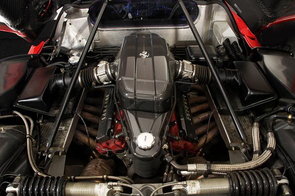 Dirt Road「2004 Ferrari Enzo」:写真・画像(13)[壁紙.com]