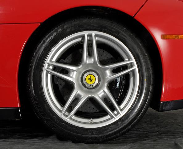 Dirt Road「2004 Ferrari Enzo」:写真・画像(11)[壁紙.com]