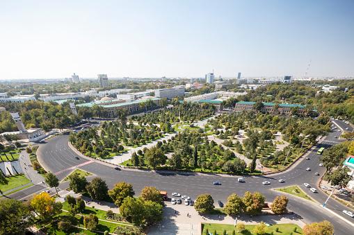 Russian Military「Amir Temur Square from the famous Soviet-built Hotel Uzbekistan in central Tashkent, Uzbekistan」:スマホ壁紙(19)