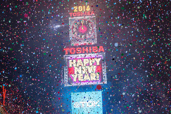 お正月「New York's Times Square Hosts Annual New Year's Eve Celebration」:写真・画像(7)[壁紙.com]