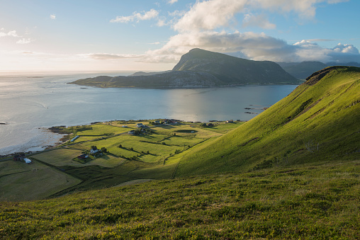 Rolling Landscape「Green hillsides of Vestvagoya from Haugheia, Lofoten Islands, Norway」:スマホ壁紙(10)