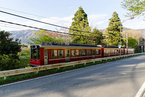 Japan「Train Passing along Country Roads Towards its Terminus at Gora, Hakone, Kanagawa Prefecture, Japan.」:スマホ壁紙(17)