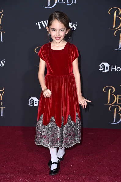 "El Capitan Theatre「Premiere Of Disney's ""Beauty And The Beast"" - Arrivals」:写真・画像(7)[壁紙.com]"