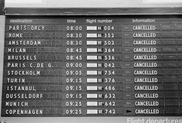Arrival「Cancelled Flights at Heathrow」:写真・画像(7)[壁紙.com]
