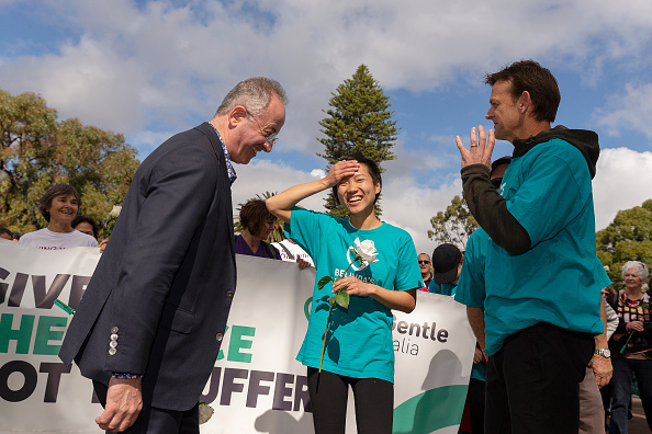 Adam Gilchrist「Belinda Teh Walks from Kings Park to the WA Parliament With Euthanasia Advocates」:写真・画像(18)[壁紙.com]
