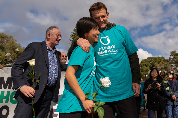 Adam Gilchrist「Belinda Teh Walks from Kings Park to the WA Parliament With Euthanasia Advocates」:写真・画像(3)[壁紙.com]
