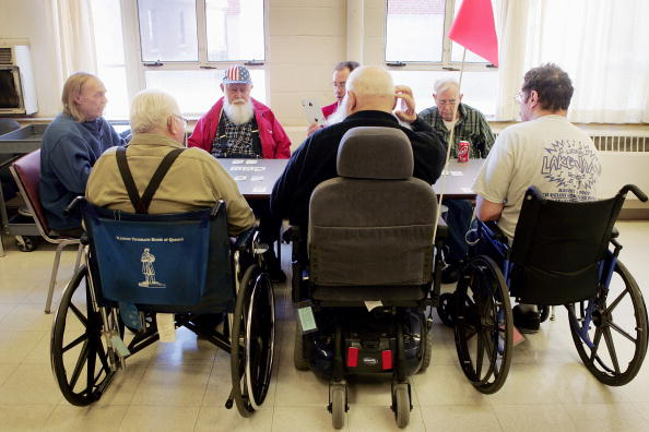 Senior Men「Federal Budget Cuts to Affect Veterans Nursing Homes」:写真・画像(7)[壁紙.com]