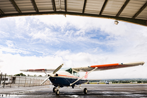 Airplane Hangar「Small plane in hangar」:スマホ壁紙(16)