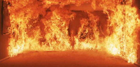 Fire - Natural Phenomenon「Burning room」:スマホ壁紙(15)